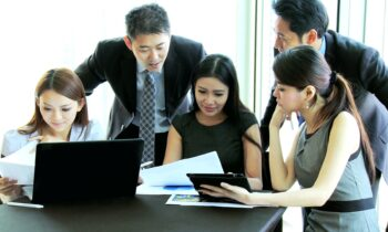 Wybór tematu pracy licencjackiej z ekonomii