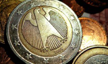Temat pracy magisterskiej z ekonomii: plusy przystępowania do strefy euro.