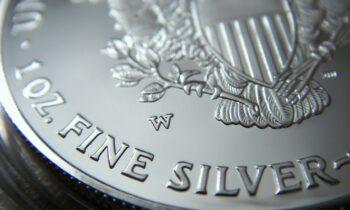 Temat pracy licencjackiej z ekonomii – inestowanie w srebro.